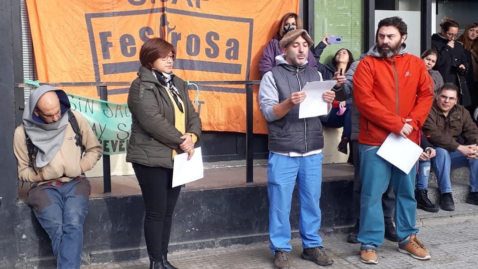 Trabajadorxs denuncian el abandono histórico del sistema sanitario y reclaman sus salarios