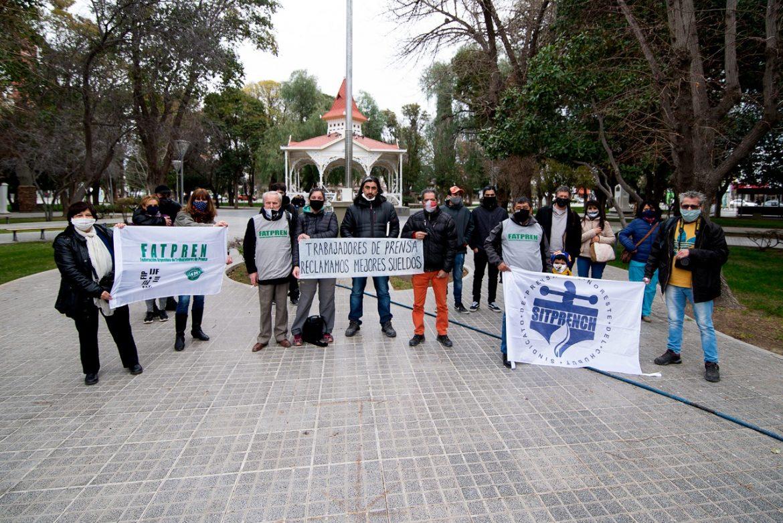 Trabajadores de prensa realizaron una caravana para exigir paritarias
